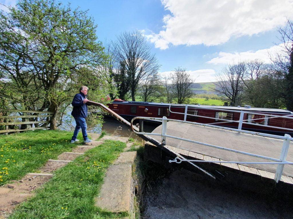 Silsden Boats Holidays Ltd